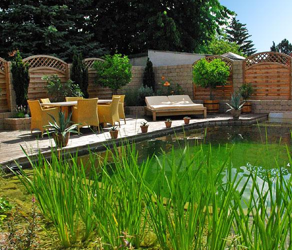 Schwimmteich von tauchner natur im eigenen garten for Naturteich garten